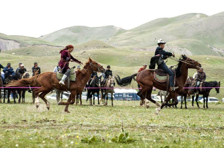 Kirgisia_hevoskisat