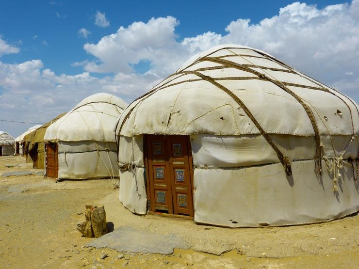yurt-198584_960_720